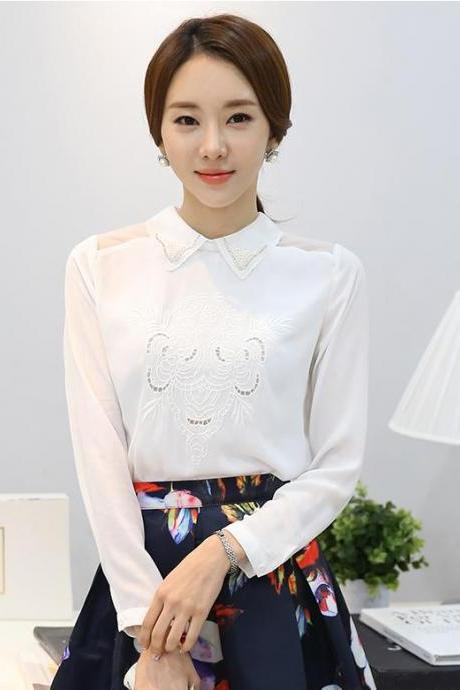 Beautiful crochet flower long sleeves white top